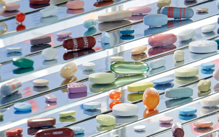 Damien Hirst . Pharmacy 2 . London